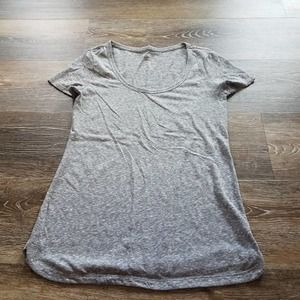 2 American Eagle Outfitters T-shirts Marled Medium